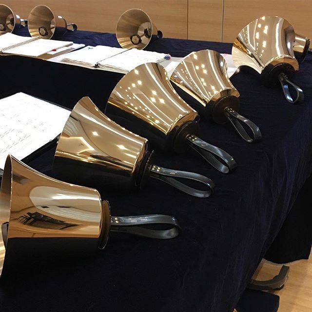 今日の礼拝ではハンドベルクワイアの賛美、聖歌隊の賛美があります。うれしいことです。
